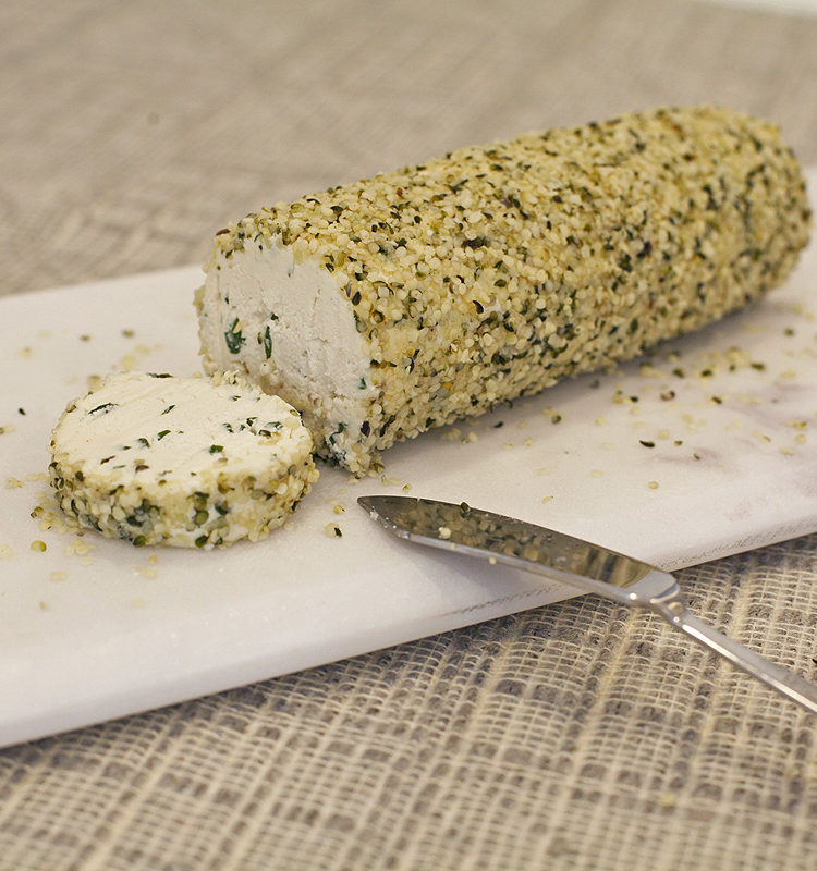 Cashew cheese log